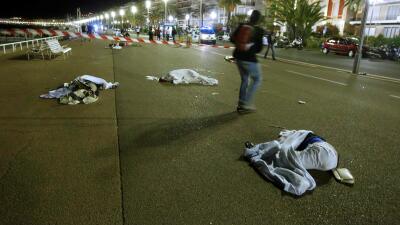Al menos 84 muertos en Francia por un ataque con un camión dirigido contra la multitud