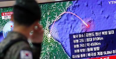 Corea del Norte dispara proyectiles y Japón dice que uno pudo haber caído cerca de sus aguas territoriales