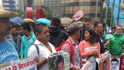 La causa de los maestros reúne dos marchas distintas en las calles de la Ciudad de México
