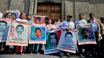 Familiares de los estudiantes de Ayotzinapa denuncian amenazas