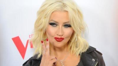 Christina Aguilera imitó a otras famosas cantantes