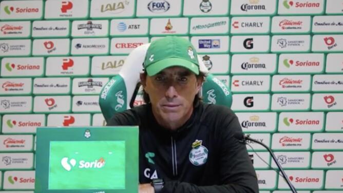 Guillermo Almada descarta ventaja de Santos sobre Pachuca