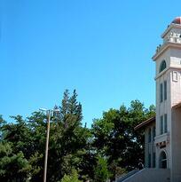Nuevo México considera ofrecer matrícula gratis en universidades estatales