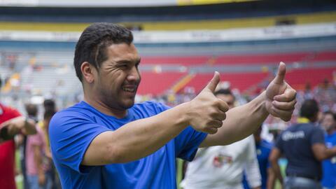 Salvador Cabañas regresó a México para jugar con América