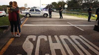 """En Estados Unidos los tiroteos masivos se han vuelto """"una epidemia, un cáncer"""", afirma alcalde de Dallas"""