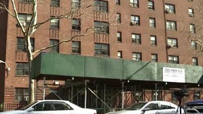 'Nueva York en un Minuto': Una bala perdida se incrusta en la pared del cuarto de un niño en El Bronx