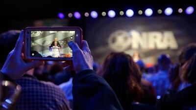 Cómo la NRA llega energizada a su reunión anual pese al poderoso movimiento juvenil contra las armas