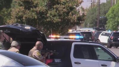 Buscan al sospechoso de disparar a estación del alguacil de Lancaster