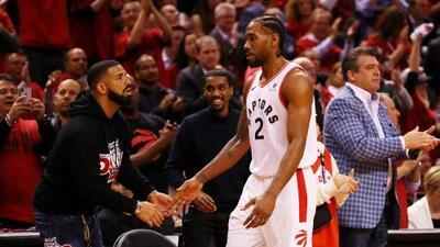 Coach de los Bucks le pide a Drake que se comporte