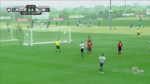 El ataja penales: asombrosa estirada de portero de Monterrey mantiene el 0-0
