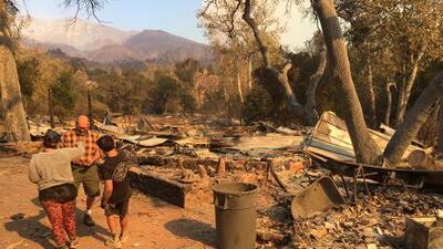"""""""Nadie podía detener ese fuego"""": el drama de una familia que lo perdió todo en incendio de California"""