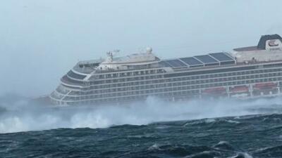 Los momentos de pánico que se vivieron dentro de un crucero por una fuerte tormenta cerca a Noruega