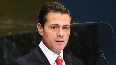 Peña Nieto y su novia se disfrazaron para pasar desapercibidos en un restaurante