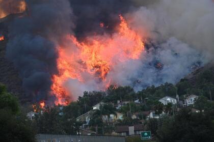 Las áreas cerradas y evacuadas en Yorba Linda hasta este miércoles son Olinda Village y Hollydale.