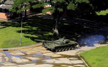 En fotos: el régimen de Venezuela aplasta una pequeña rebelión militar en Valencia