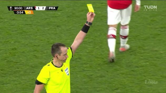 Tarjeta amarilla. El árbitro amonesta a Matteo Guendouzi de Arsenal