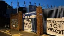 Colocan pancartas contra Rafa Benítez por posible llegada al Everton