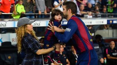 Llegó Shakira, Gerard Piqué y sus hijos a Colombia y miren lo que se formó a su llegada