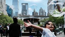 La ciudad de Nueva York comienza a vacunar contra el coronavirus a los turistas