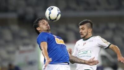 Cruzeiro empata ante Palmeiras y sigue con ventaja sobre Sao Paulo