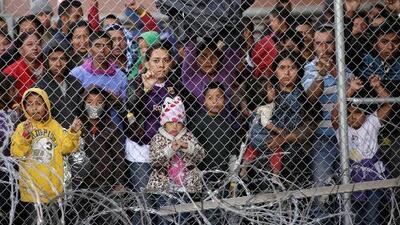 En un minuto: Gobierno pide cambiar reglas para deportar más rápido a menores no acompañados