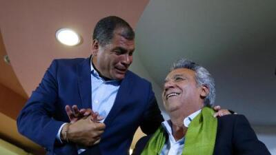 """Oficialista Moreno se proclama ganador del balotaje en Ecuador, aunque opositor Lasso denuncia """"fraude"""" y pide recuento de votos"""