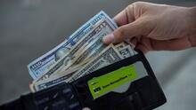 Régimen cubano suspende de forma temporal los depósitos bancarios en efectivo con dólares estadounidenses