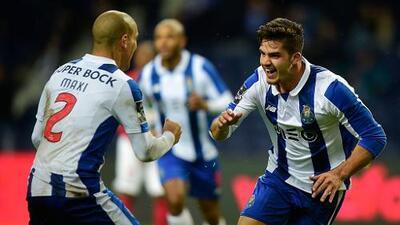 Porto superó al Maritimo y se pone a un punto del Benfica