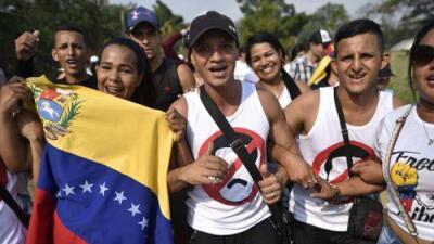 Llegó el día crucial para el ingreso de la ayuda humanitaria y los venezolanos contienen la respiración