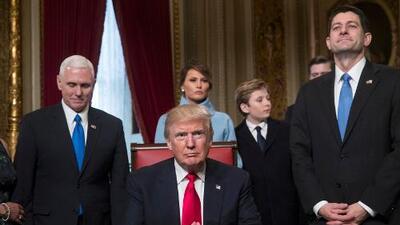 Las palabras de la nueva asesora de Trump contra los inmigrantes, el español y Paul Ryan