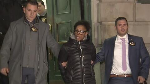 Espera cargos formales la sospechosa de agredir brutalmente a dos pasajeras de un autobús de la MTA