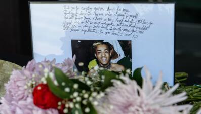Miles de fanáticos le dan el último adiós al asesinado cantante XXXTentacion