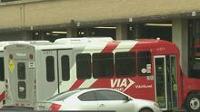 VIA Bus se expresa ante incidente donde un empleado es atropellado con un camión de la compañía