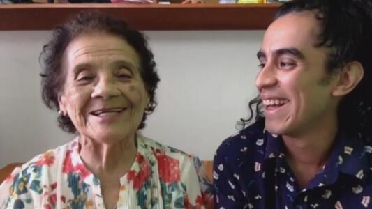 """""""Atrévete"""", una abuelita se hace viral dando consejos en TikTok"""