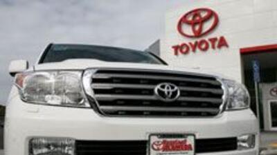 Fabricantes de autos pierden valor, aunque Toyota se mantiene como la más fuerte.