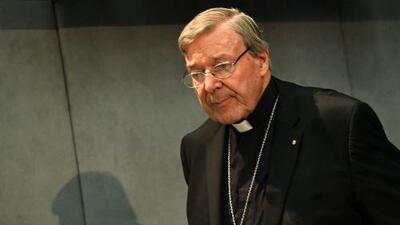 El cardenal Pell, responsable de finanzas del Vaticano, rechaza ante corte en Australia los cargos de pederastia que se le imputan