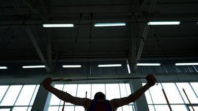 Gimnasta estadounidense denuncia abusos de su entrenador y médico
