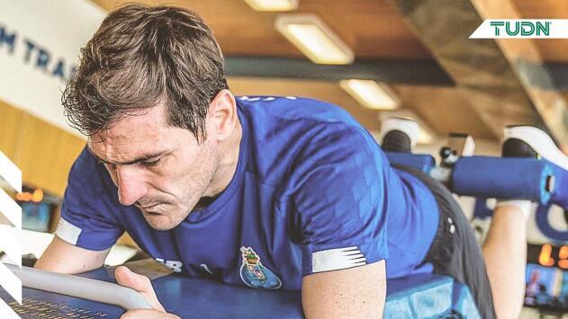 Iker Casillas apura trabajos para volver a la portería del Porto