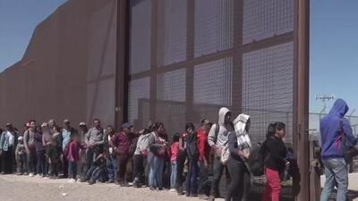 Aprueban regla para negar asilo a migrantes en la frontera sur e investigan casos de legionella en El Bronx
