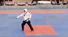 Mujer con 8 meses de embarazo gana 3 medallas en un torneo de Taekwondo