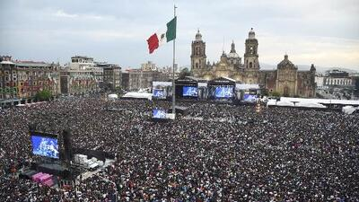 Con un multitudinario concierto en Zócalo, artistas claman solidaridad con México tras el terremoto