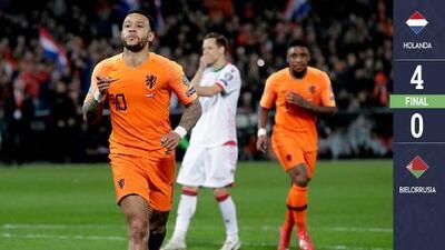 Depay lideró la goleada de Holanda rumbo a la Eurocopa