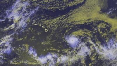 A tres meses de la erupción del volcán Kilauea, un poderoso huracán se aproxima a Hawaii