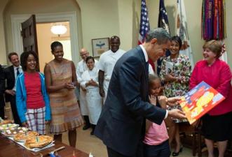 Con esta imagen, el fotógrafo de Barack Obama celebra el cumpleaños del expresidente