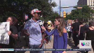 Diáspora boricua exige la renuncia del gobernador de Puerto Rico desde el Capitolio de Texas