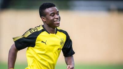 ¡Millonario a los 14 años! Aún no debuta y el niño prodigio del Dortmund firma un gran contrato con una empresa deportiva