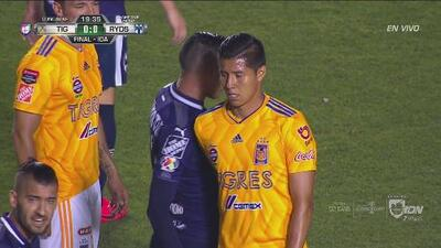 Se calentó Hugo Ayala contra Rogelio Funes Mori