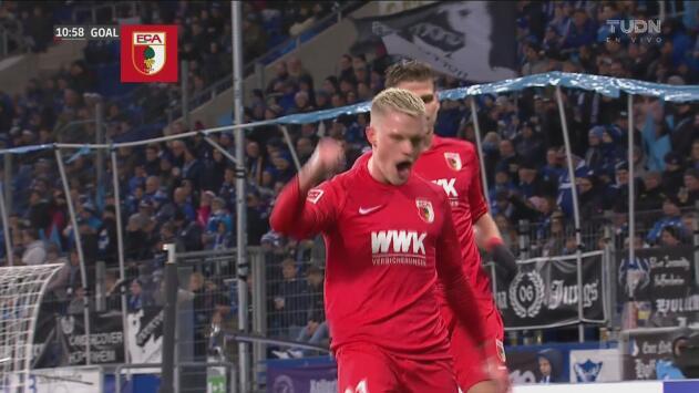 ¡Lo hace famoso! Philipp Max marca frente a la portería el 1-0