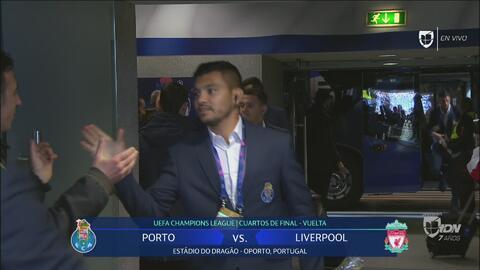 ¡Vamos Tecatito! La llegada del mexicano al Estadio do Dragão para la vuelta ante el Liverpool