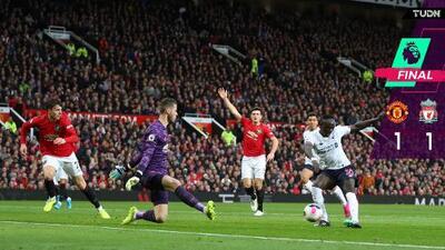 Liverpool rescata punto ante el United en el Clásico Inglés